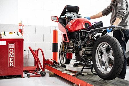 Reparación y mantenimiento de motos